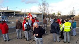 Le 10 janvier 2018 : Mobilisation contre la clôture isolant l'usine FAI de celle de GFT